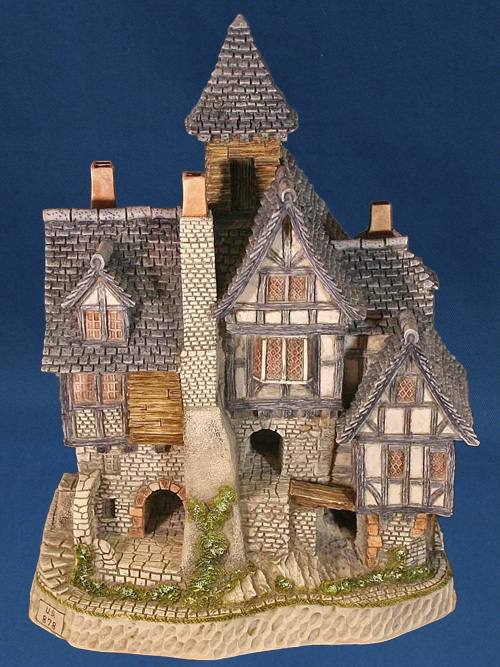 David Winter Cottage Collection Aunt Mary S Haunted House